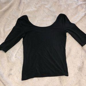 black 1/2 length-sleeve  crop top